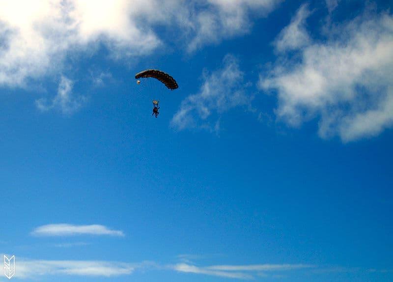 Le jour o j 39 ai saut en parachute au dessus de la grande - Saut en parachute bretagne pas cher ...