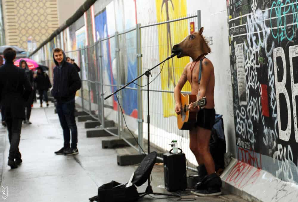 concert de choc au mur de Berlin
